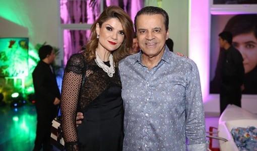 F4-Ministro-Henrique-Alves-com-sua-Laurita-Arruda-prestigiando-a-festa.