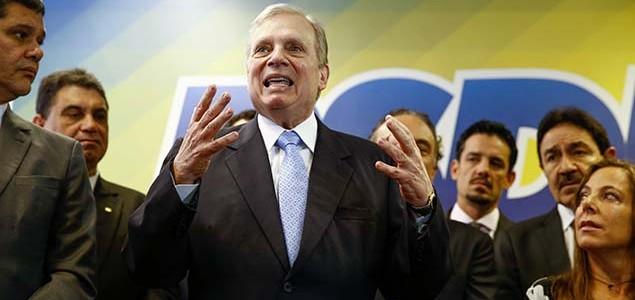 Tasso anuncia candidatura à presidência do PSDB